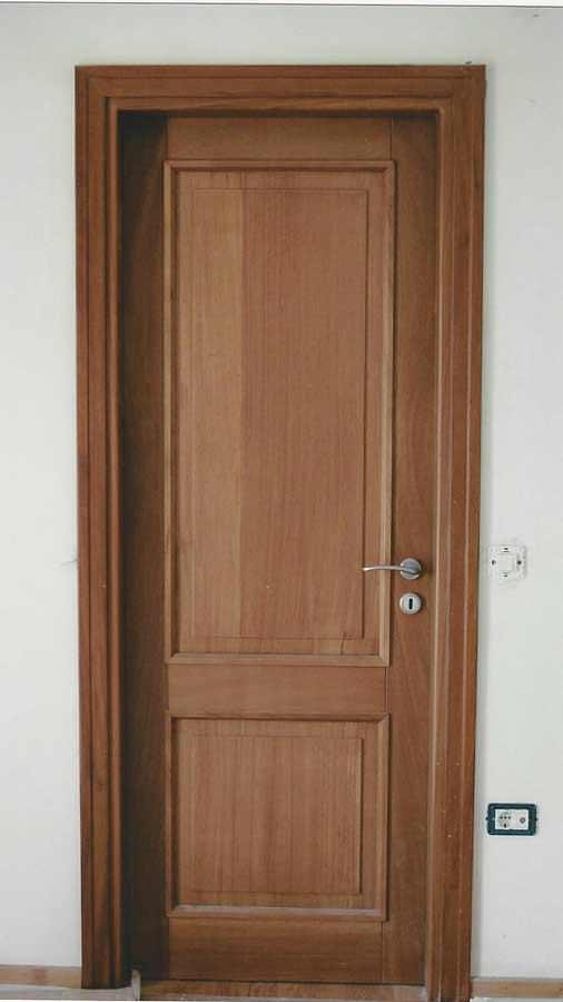 Εσωτερική πόρτα μασίφ ξύλου IROCO