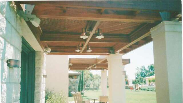 Pergola made of solid DOUSSIE