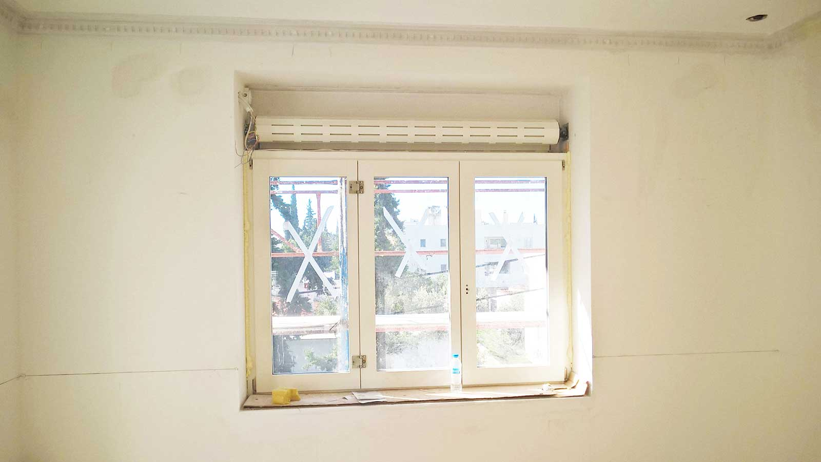 Three section window with roll