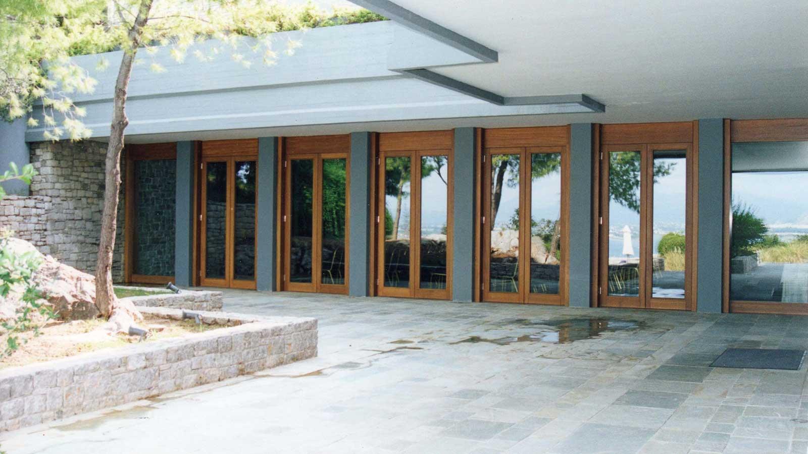 Εξωτερικές πόρτες IROCO