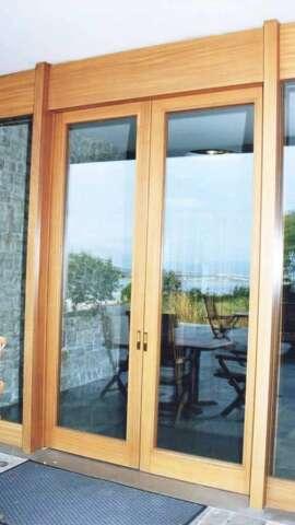 Dual sash door of solid wood IROCO