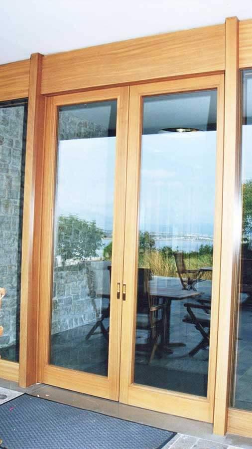 Δίφυλλη πόρτα από ξύλο IROCO μασίφ