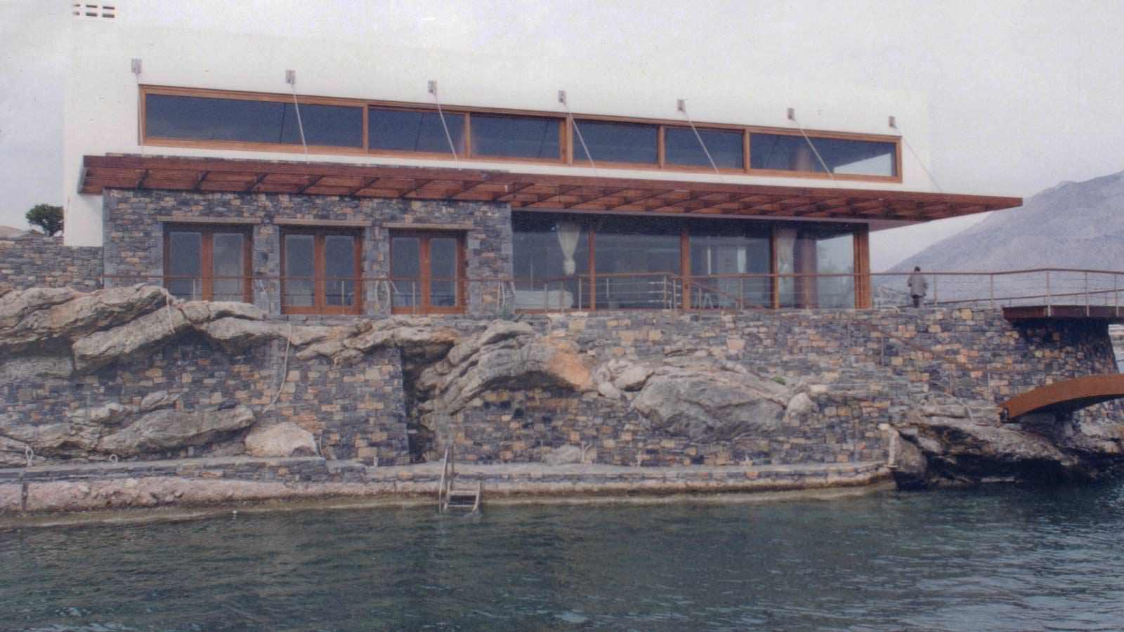Παράθυρο μήκους 24μ και μπαλκονόπορτα μήκους 14μ ξύλου NIAGON