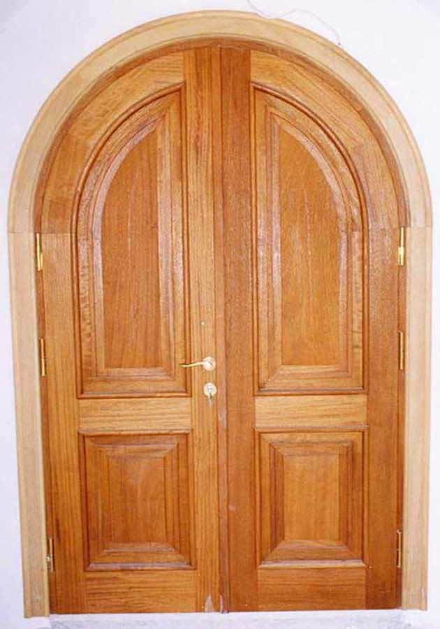 Δίφυλλη κυκλική πόρτα IROCO μασίφ
