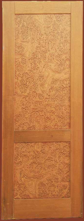 Εσωτερική πόρτα από μασίφ ΚΑΡΥΔΙΑ και καπλαμά ρίζα καρυδιά ALPI