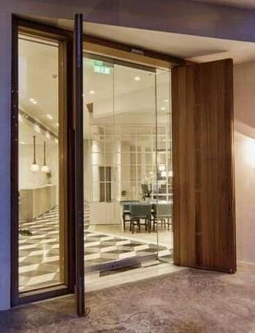 Dual sash door of solid IROCO