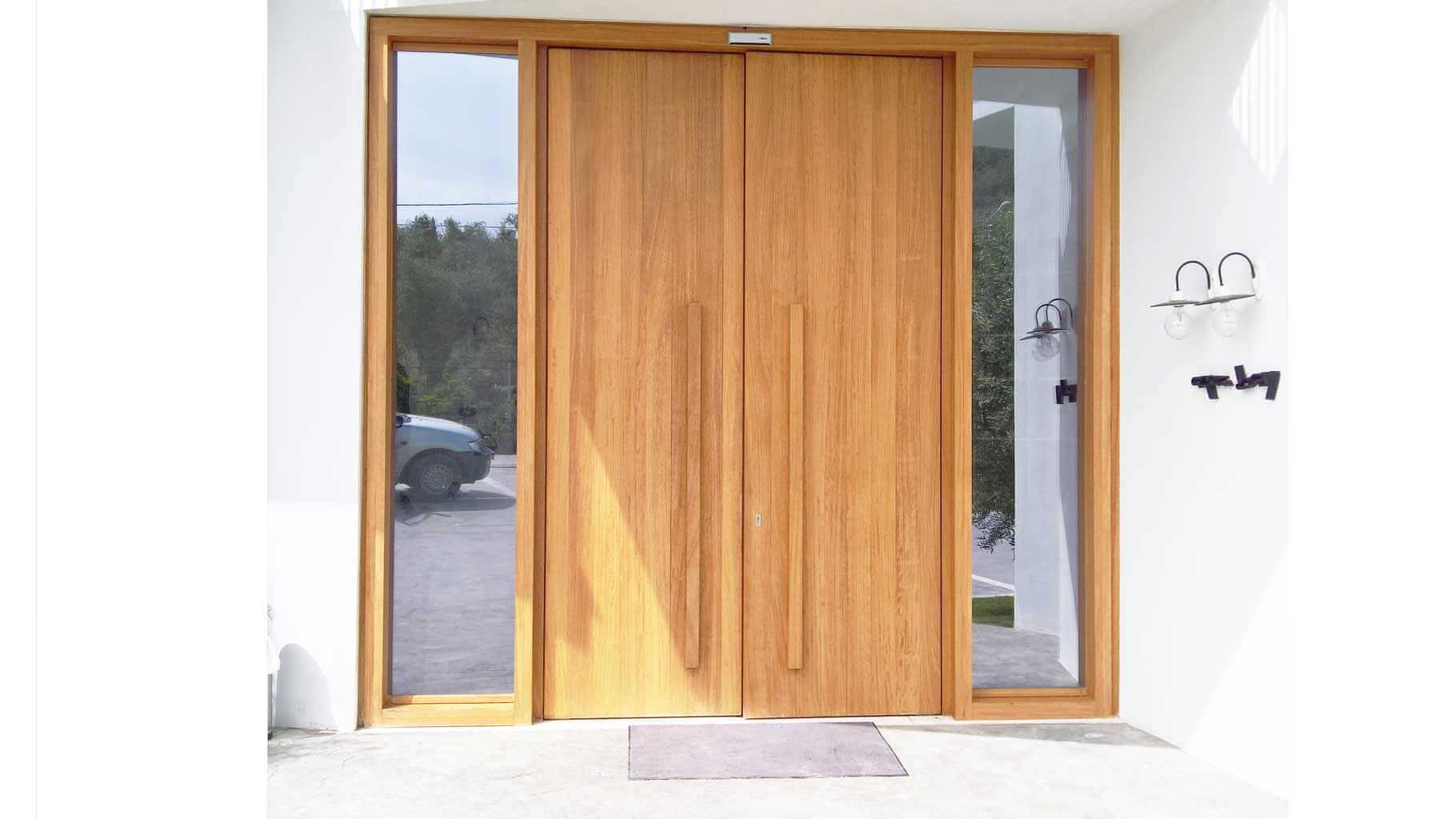 Κεντρική είσοδος από μασίφ ξύλο IROCO