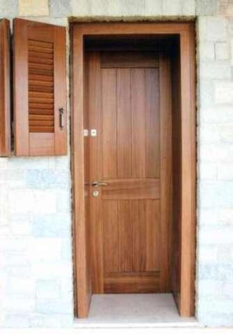 Εξωτερική πόρτα μασίφ IROCO